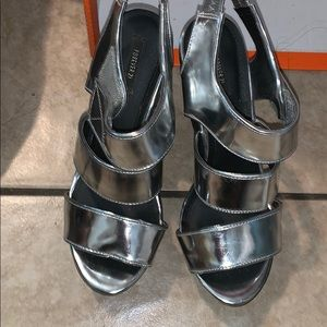 Silver wedges size 7